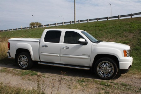 11 GMC - Undercover Lid, Rainguards and Ultra Wheels